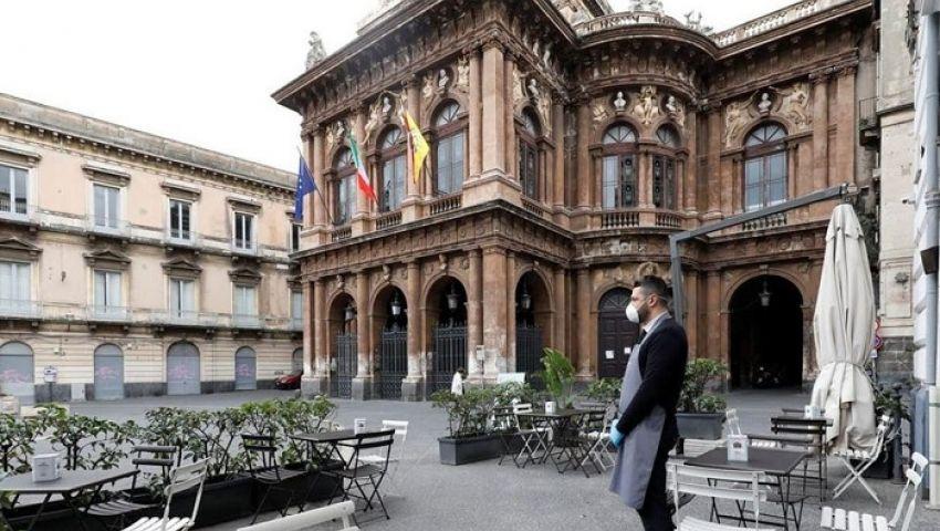 فيديو | بالأغاني والموسيقى.. الإيطاليون يواجهون كورونا