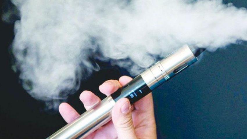 هيئة طبية أمريكية توضح العلاقة بين أمراض التدخين الإلكتروني وزيت فيتامين «هـ»