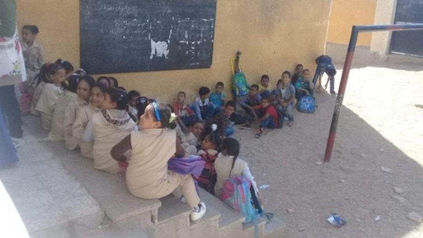 الفصول المتنقلة.. السيارة المجهزة حل مؤقت للكثافة المدرسية بمصر