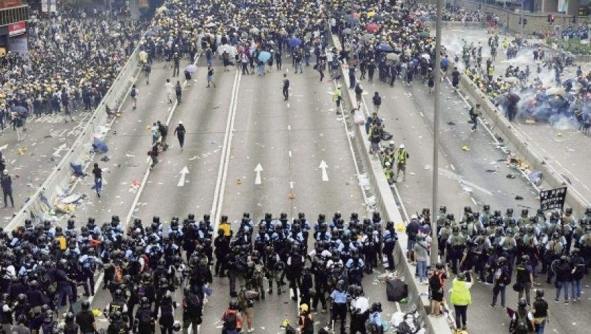 بعد أن أشاد ترامب بتصرف الرئيس الصيني.. ما هي آخر تطوارت أزمة هونج كونج؟