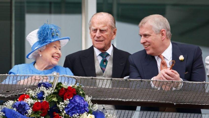 «دوق يورك في قلب العاصفة».. فضيحة إبستين تجبر نجل ملكة بريطانيا على التخلي عن مهامه