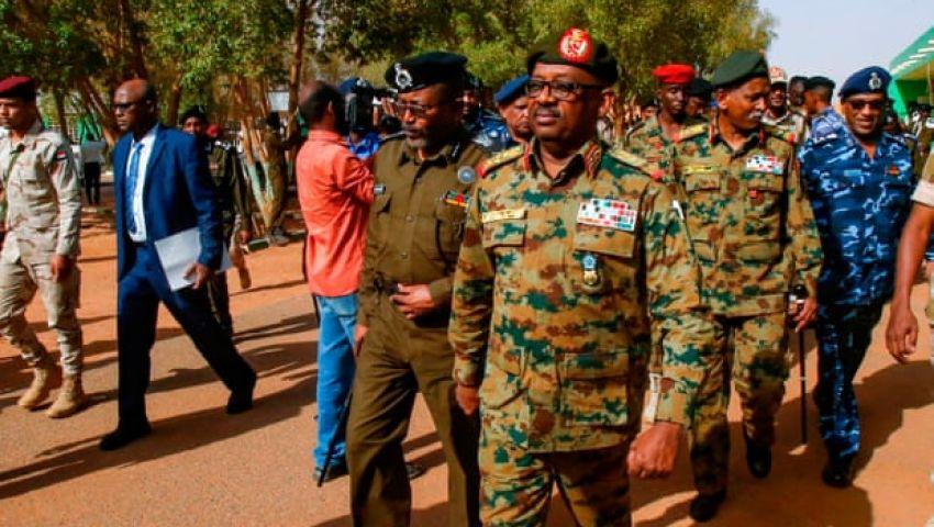 الجارديان: إحباط محاولة الانقلاب ينقذ السودان من مصير مجهول