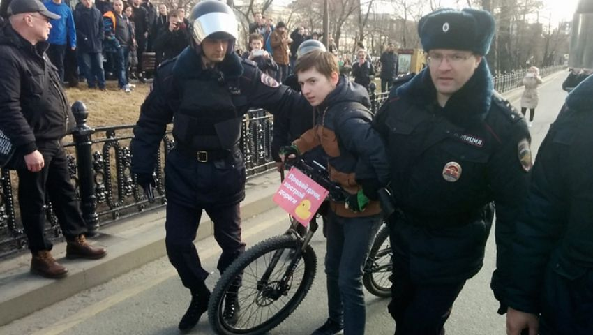 لهذه اﻷسباب.. طلاب روسيا يتحدون بوتين