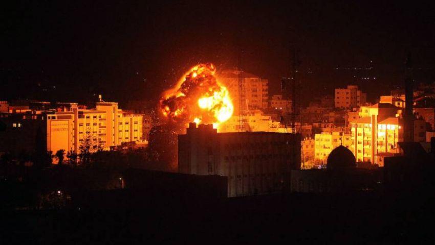 فيديو وصور| غزة تحت القصف.. الاحتلال يدمر مكتب إسماعيل هنية