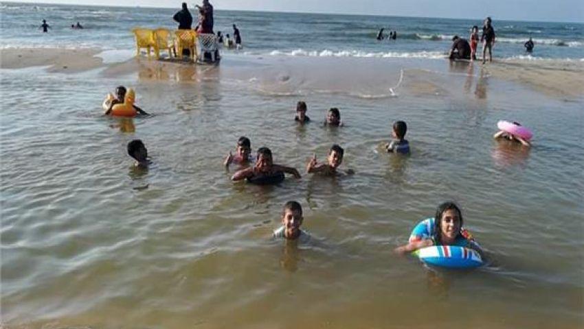 صور| مصايف الغلابة.. هنا يغتسل المصريون من همومهم