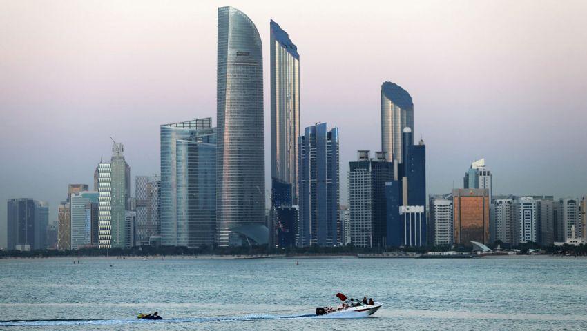 «الغراب الأسود» يكشف خطة الإمارات للتجسس على المعارضين والحكام العرب