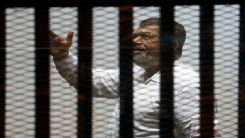 النيابة العامة تأمر بدفن جثة محمد مرسي.. واستنفار أمني فى قرية العدوة