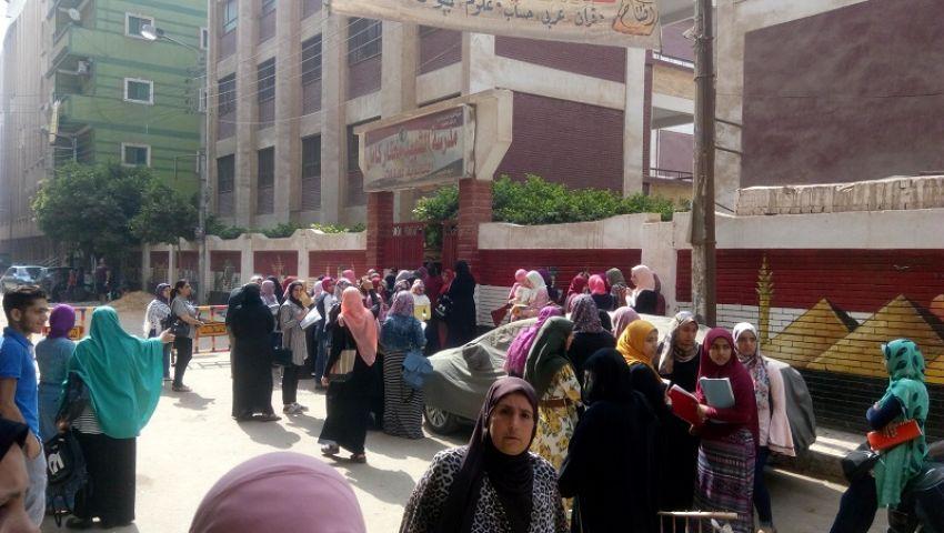 «أولادنا مش للتجارب»..أولياء أمور يطالبون بإلغاء امتحانات أولى ثانوي الإلكترونية