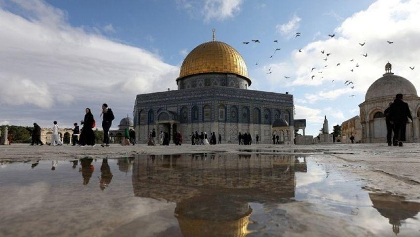 في ليلة القدر.. الاحتلال يمنع الفلسطينيين من الصلاة قرب الأقصى