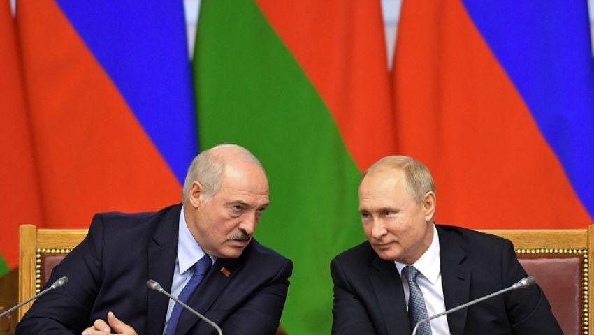 فيديو| بيلاروسيا.. هل تنقذ أسلحة بوتينديكتاتور أوروبا من السقوط؟