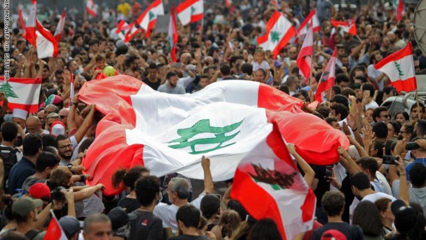 فيديو| انطلاق الشرارة الأولى لـ«غضب لبنان».. والحريري ينتقد «اللف والدوران»