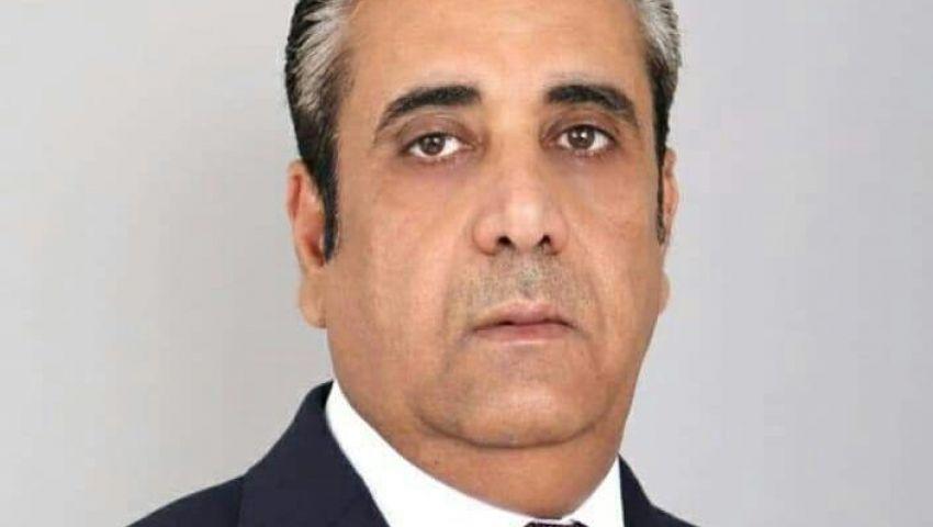 اليمن.. محافظ البنك المركزى يلوح بالاستقالة