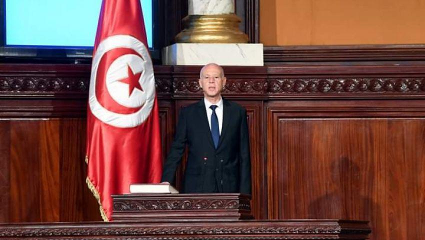 «التبرع بيوم عمل».. دعوة للرئيس التونسي في أول خطاب له تثير الجدل