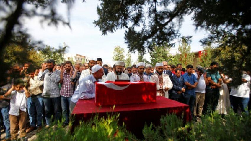 الجارديان: على الحدود التركية السورية.. الغضب يتصاعد ضد الأكراد