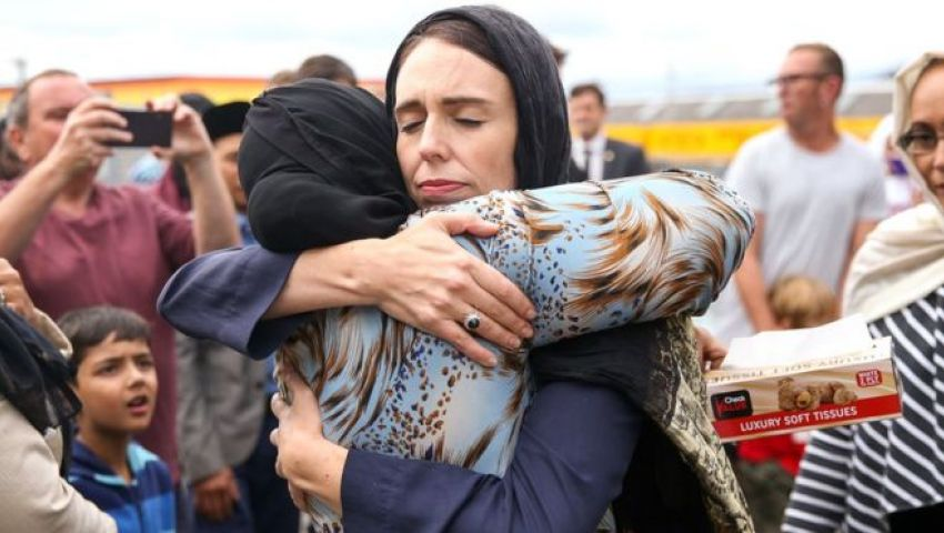 ورد الزفاف وحجاب رئيسة الوزراء ..8 مشاهد لاحترام نيوزيلندا مشاعر المسلمين