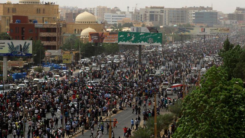 نيويورك تايمز: المظاهرات في السودان.. محاولة لإظهار قوة الشارع