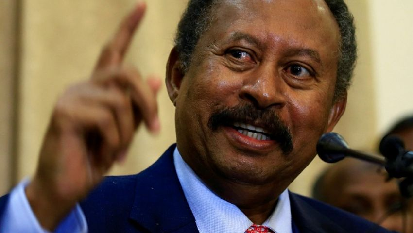 حمدوك: نتعهد بتوفيق أوضاع النازحين واللاجئين من دارفور