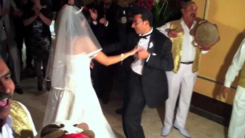 بالصور  أحدث تقاليع دعوات الزفاف بمصر.. الزجل وطباعة العملات و«السلك لمس»