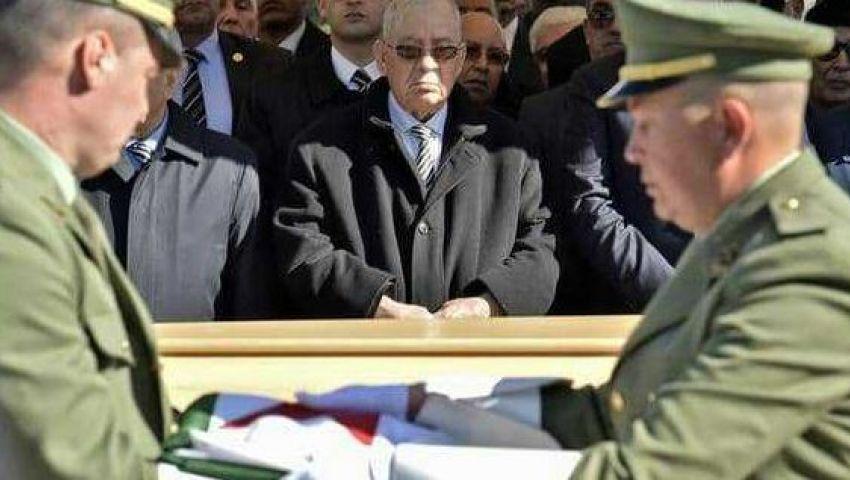 صراع بين دوائر الحكم ومحاولة انقلاب.. الجزائر تمنع تحرك الطائرات الخاصة بمسؤولين