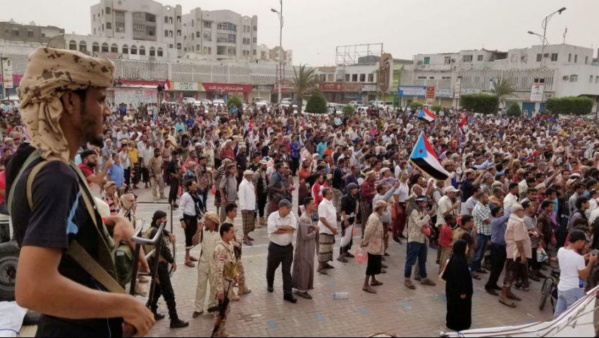 آخر تطورات الأحداث في عدن.. القوات السعودية تتقدم لأول مرة خارج قصر المعاشيق