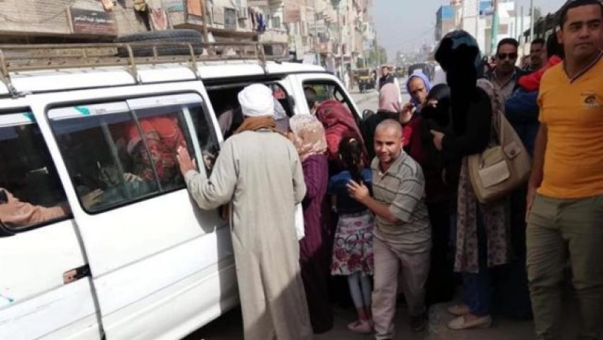 سفريات العيد زحمة وصلة للأرحام.. والمشاوير الخاصة تنعش جيوب السائقين