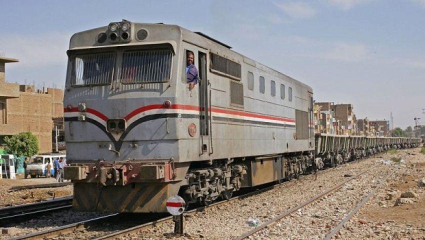 تعطل قطار أسوان بسبب سوء الطقس.. و«السكة الحديد» تعلق
