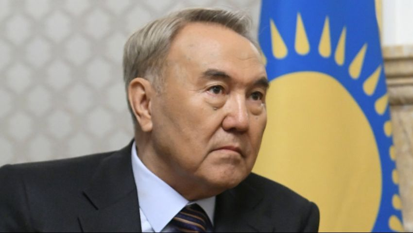 جارديان: رئيس كازاخستان المستقيل سيبقى الحاكم من خلف العرش
