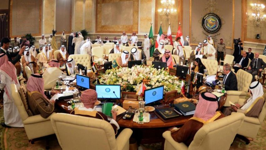 بعد دعوة قطر.. هل توحد قمة مكة  مجلس التعاون الخليجي في ذكرى تأسيسه؟