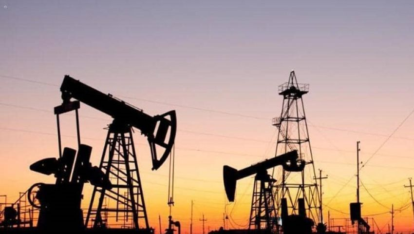 أسعار النفط تواصل الهبوط وسط تخوفات تباطؤ اقتصادي