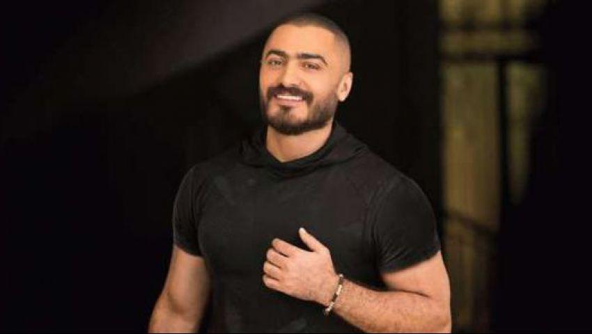 تامر حسني يغني في حفل افتتاح «القاهرة السينمائي»