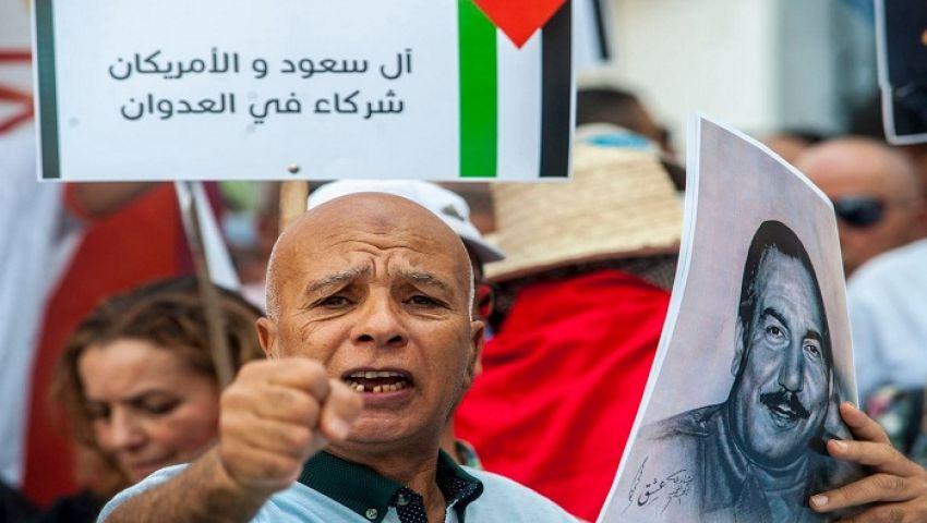 واشنطن بوست: في تونس.. العداء الشعبي لأمريكا يتصاعد