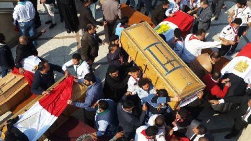 الآلاف يشيعون جثامين ضحايا انفجار الكنيسة المرقسية بالإسكندرية