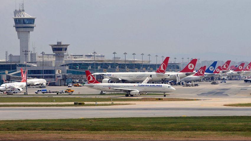 بالصور| طائرة تركية متجهة للقاهرة تتعرَّض لحادث