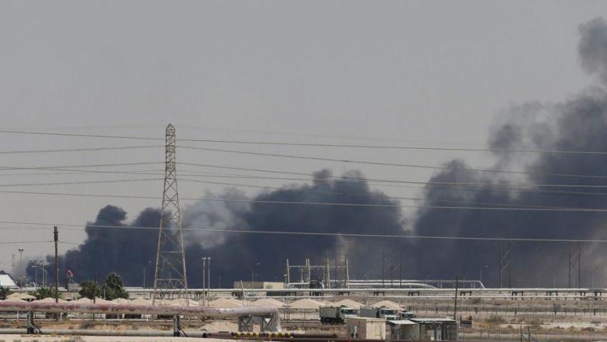 بلومبرج: تعطل نصف إنتاج النفط السعودي سوف يستمر شهورا