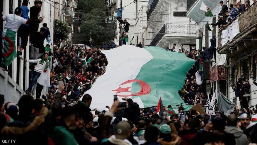 في الجزائر.. الاحتجاجات مستمرة حتى يتغير النظام السياسي