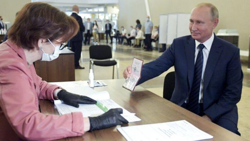 جارديان: «كذبة هائلة» تشرعن بقاء بوتين في الحكم حتى 2036