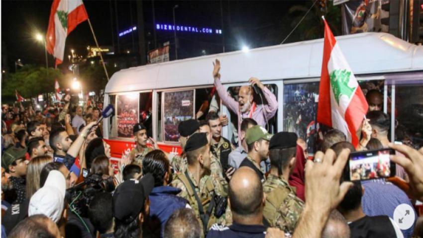 دي فيلت: لبنان لن تفلت من الإفلاس