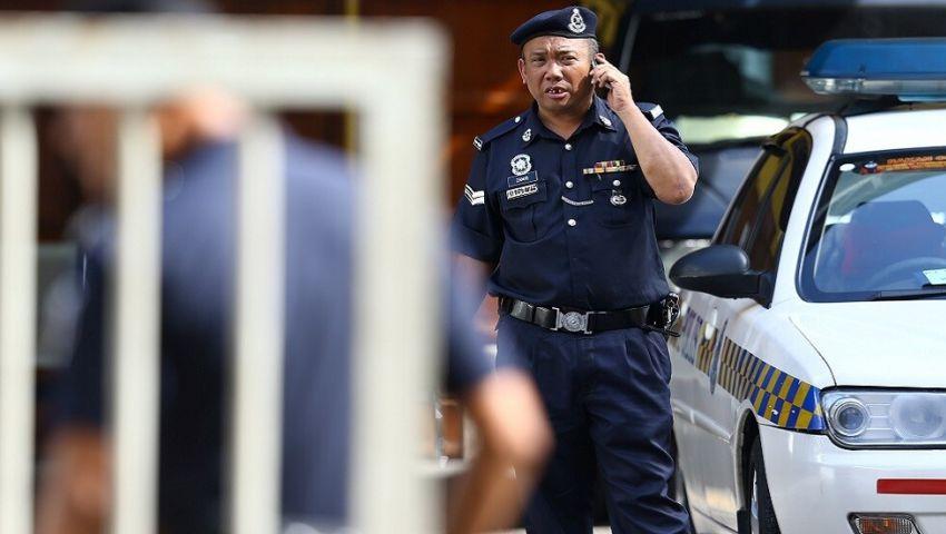 لماذا اقتحمت الشرطة مكتب قناة الجزيرة في ماليزيا؟