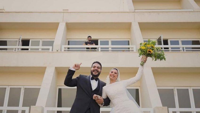 «عريس وعروسة وعزل».. تداول صور جديدة نسبت  لمحمد صلاح
