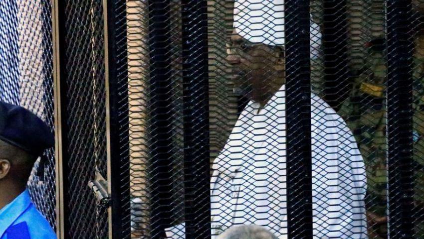 غسيل أموال وتمويل إرهاب.. البشير خلف القضبان في جلسة جديدة