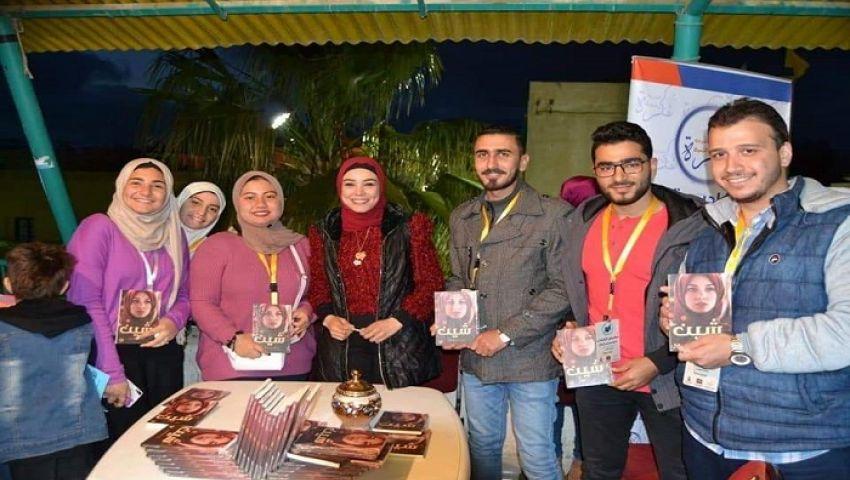 صور| لأول مرة.. معرض للكتاب بالعريش بجهود 30 شابا متطوعا