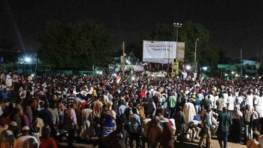 في السودان.. من هو قاضي الطوارئ الذي أقسم أمامه الجميع؟