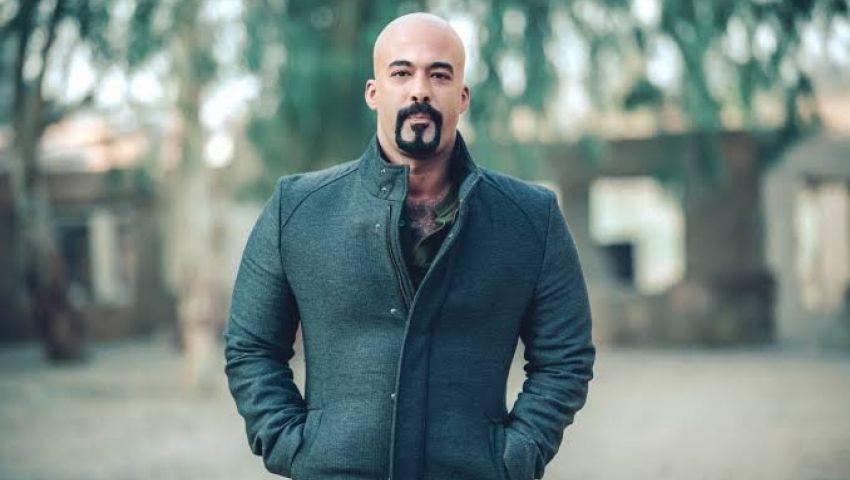 صدمة مفجعة.. «تويتر» يتحول إلى دفتر عزاء بعد وفاة الفنان هيثم أحمد زكي