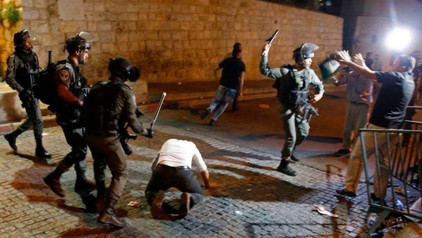 اعتداءات متكررة على المعتكفين بالأقصى.. جرائم الاحتلال مستمرة في شهر الصيام