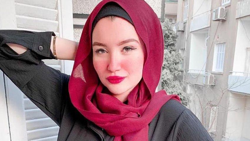 فيديو  «حنين حسام» و«مودة الأدهم».. فتاتان لم تنعما بالبراءة و9 اتهامات تعيدهن للحبس