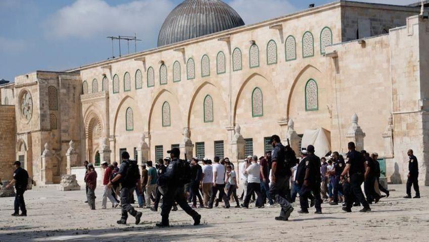 الاحتلال يعربد في القدس.. صهاينة يقتحمون الأقصى مجددًا