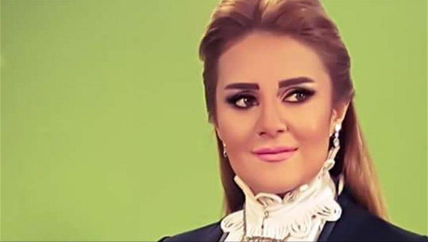 رانيا محمود ياسين تضع صناع «كل دا كان ليه» في ورطة