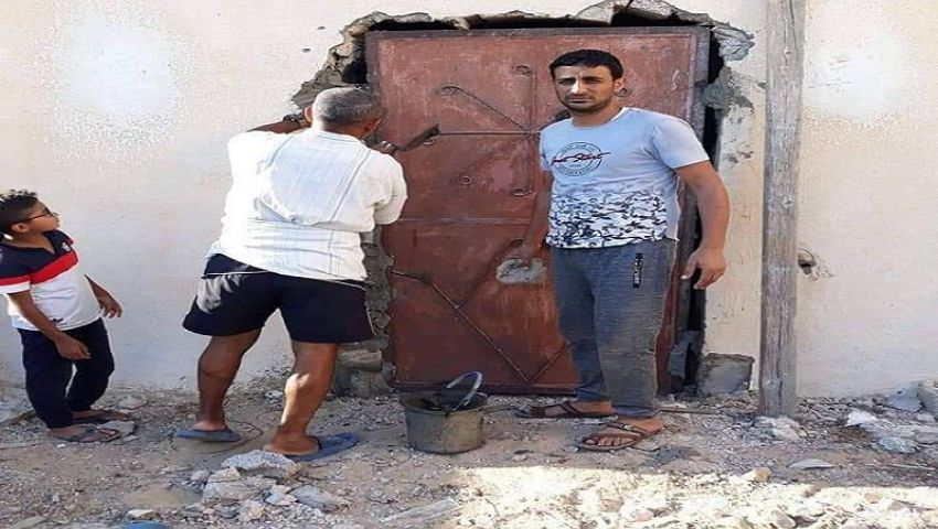 بعدما دمرها الإرهاب.. مواطن يتبرع بمنزله لإقامة وحدة صحيةبالشيخ زويد (صور)