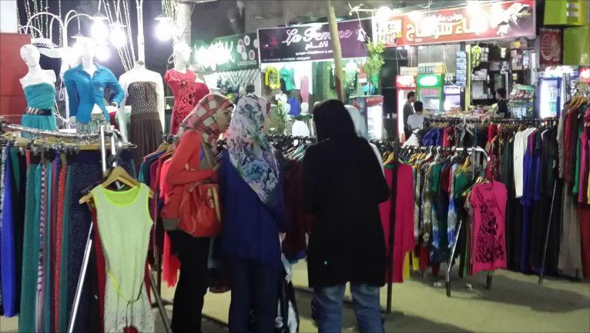 فيديو  بالأرقام.. تعرف على نسب الزيادة في أسعار الملابس قبل عيد الفطر