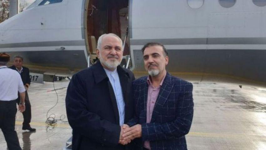 بالصور| صفقة نادرة بين الأعداء.. إيران وأمريكا تتبادلان عالمين معتقلين